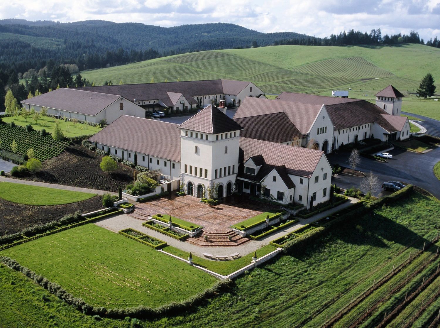 Winery-Aerial-from-King-Estate